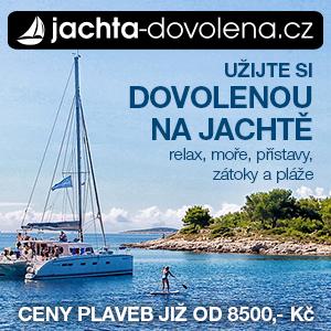 dovolená na jachtě u moře